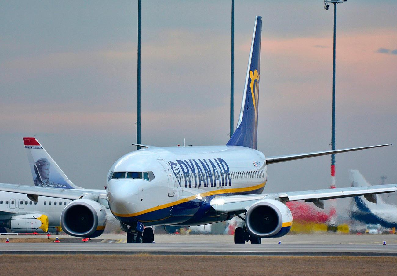 FACUA denuncia a Ryanair por demorar hasta 28 días las devoluciones en vuelos cancelados