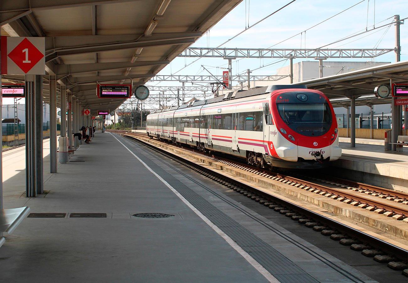 El Gobierno aumenta la reducción del servicio de transporte público de viajeros