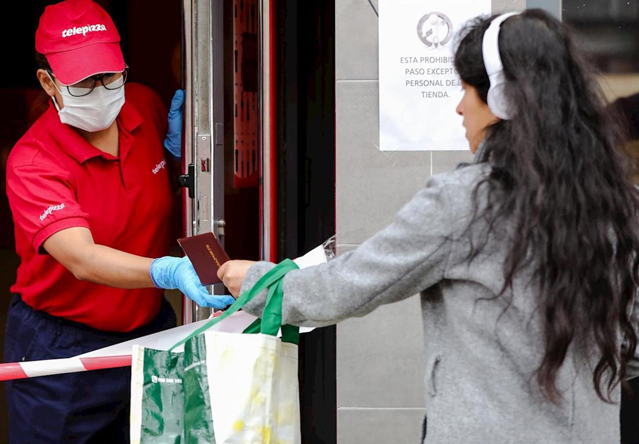FACUA Madrid reclama a Ayuso menús de las becas comedor más saludables que los de Rodilla y Telepizza