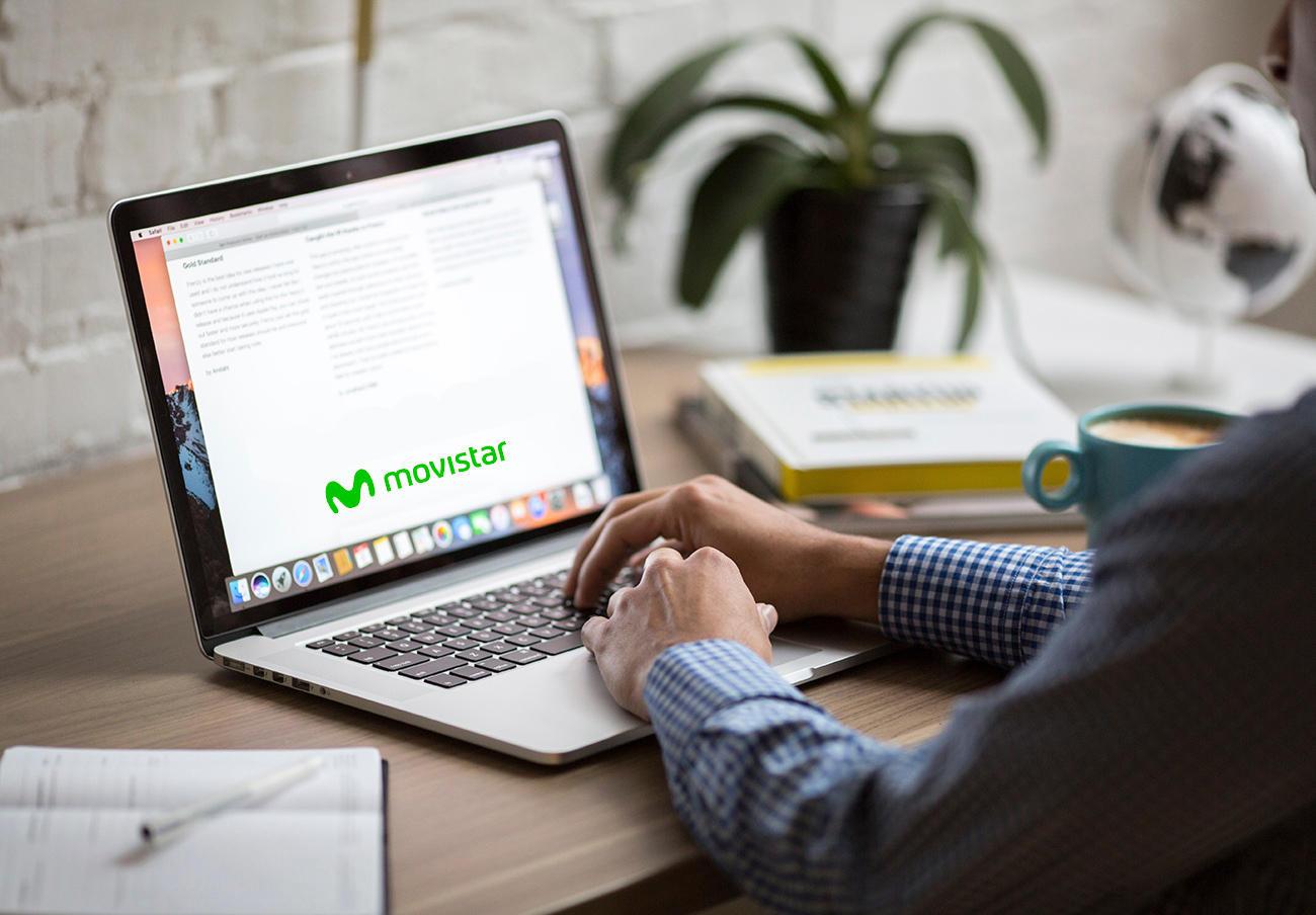 Comerciales de Movistar instan a los usuarios a instalar la fibra cambiando de número de teléfono