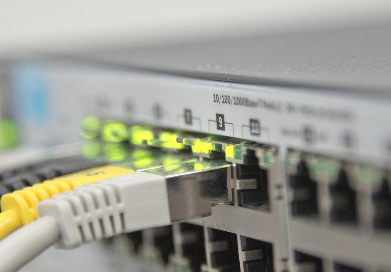 FACUA Galicia insta a la compañía R a compensar a los afectados por la caída de su servicio de internet