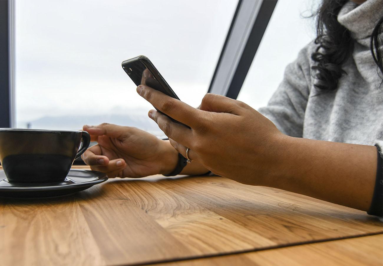 """La AEPD insta a ofrecer información """"clara y comprensible"""" a usuarios de las nuevas app y servicios 5G"""