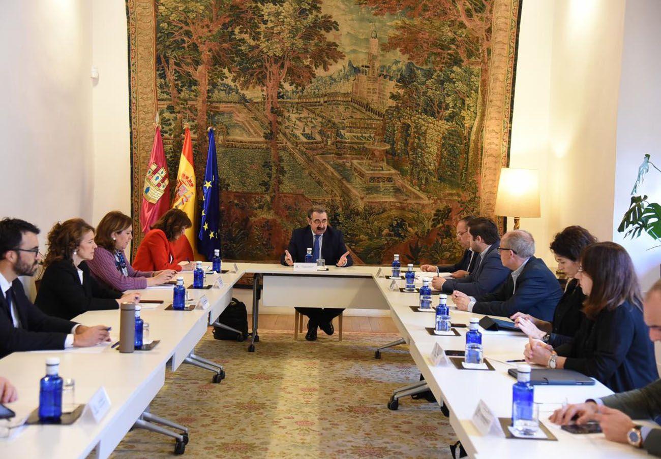 Reunión del Comité Técnico de Seguimiento de la Transición frente al Covid-19 el pasado 13 de mayo. | Imagen: Junta de Comunidades de Castilla-La Mancha.