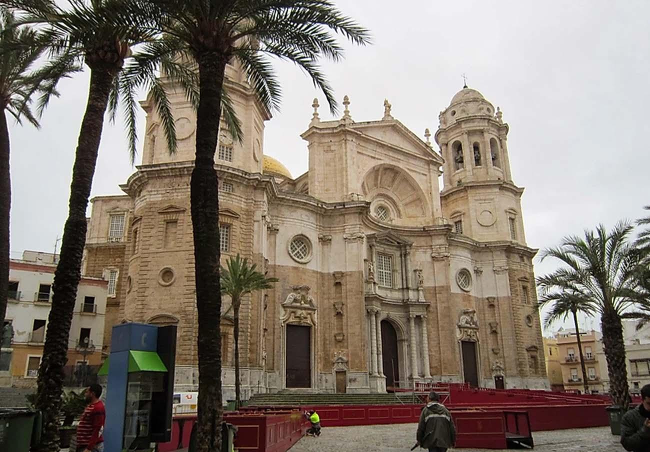El Consejo de Hermandades de Cádiz inicia este miércoles el reembolso de los abonos de sillas y palcos