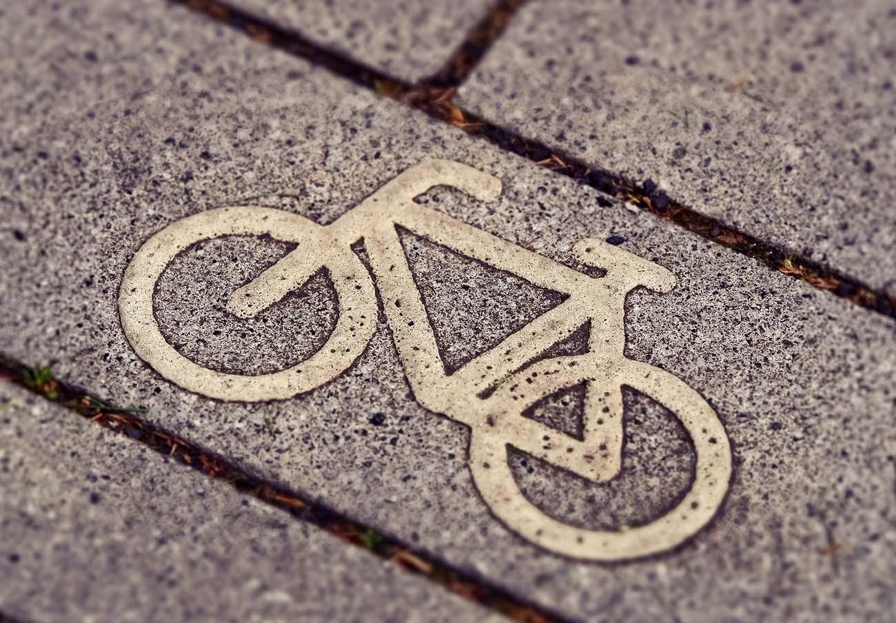 Por el Clima de Sevilla advierte de que el coche debe ceder espacio a formas de movilidad sostenibles