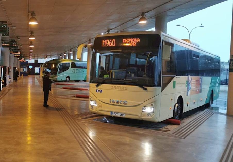 FACUA Cádiz advierte del daño que la crisis del Covid-19 puede ocasionar al uso del transporte público