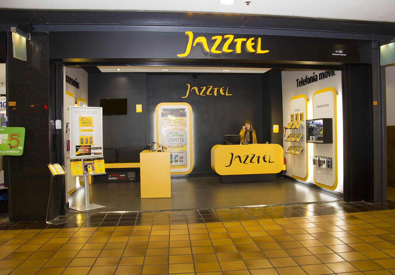 Jazztel cobró a una usuaria 221 euros durante año y medio por una línea supuestamente gratuita