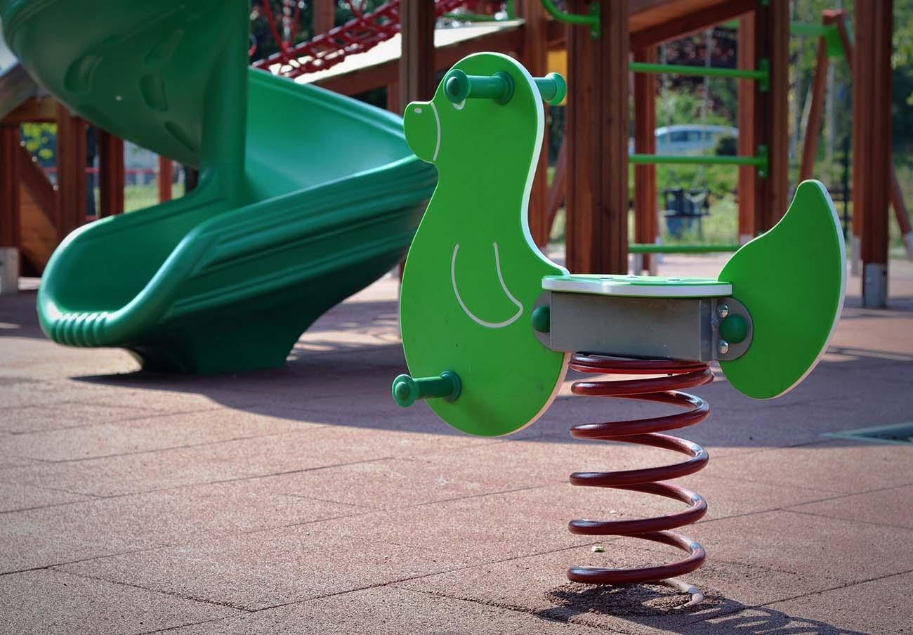 ¿Qué requisitos deben cumplir los parques infantiles para ser seguros? FACUA Sevilla te informa