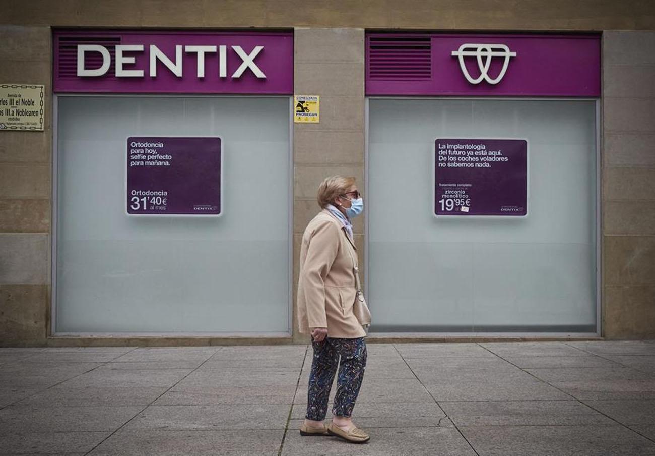 Cetelem devuelve a una socia de FACUA 1.157 euros pagados por un tratamiento en Dentix que no le hicieron