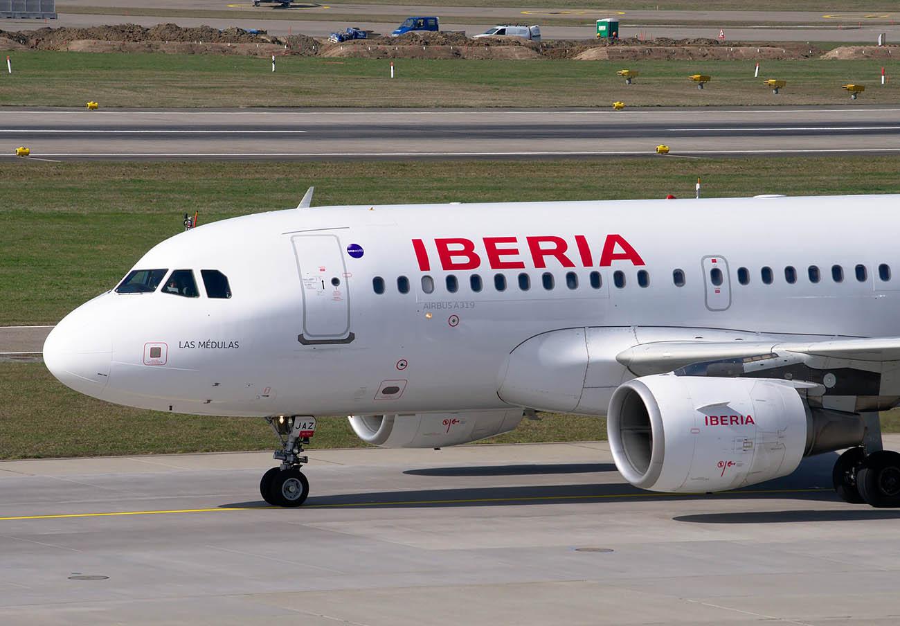 Iberia tarda 2 años en indemnizar a un pasajero por romper su maleta: ha sido tras la actuación de FACUA