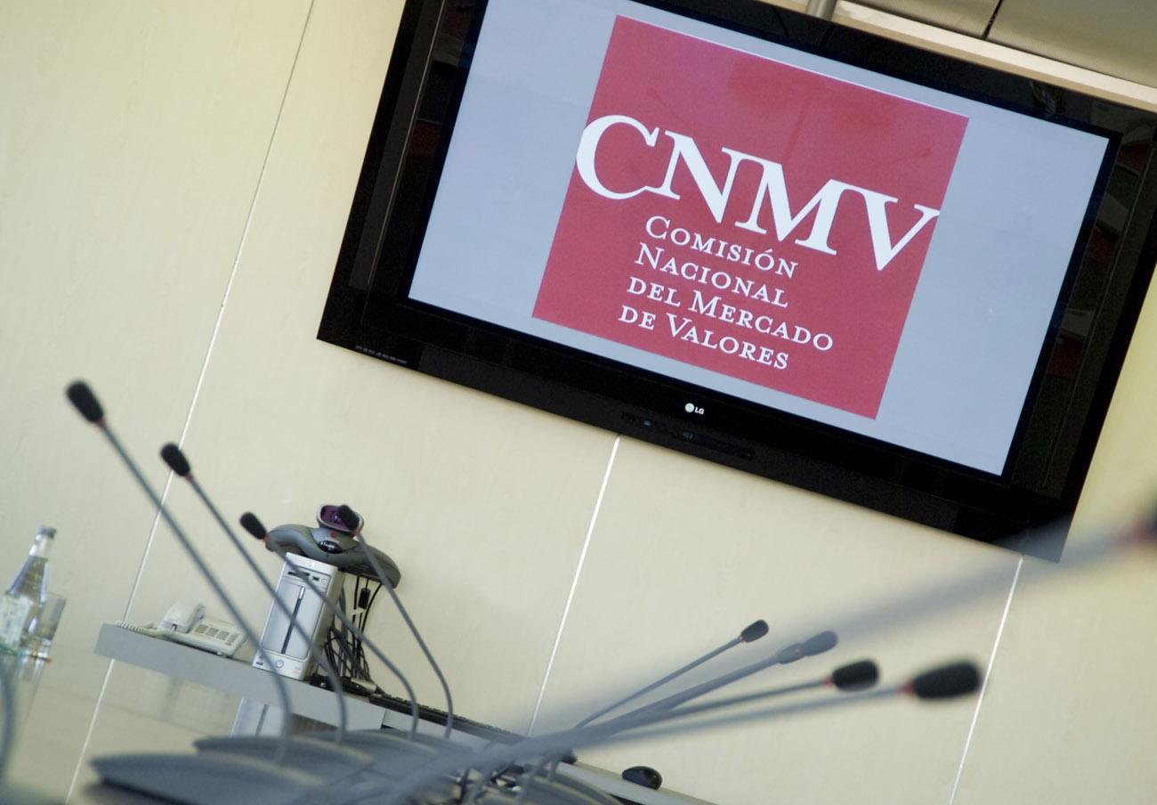 La CNMV advierte sobre 'chiringuitos financieros' en Reino Unido, Italia, Eslovenia y Luxemburgo