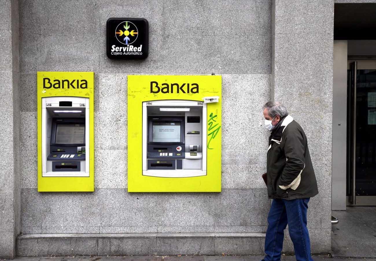 FACUA ve escandaloso que Bankia se fusione con CaixaBank sin haber devuelto 20.000 millones del FROB