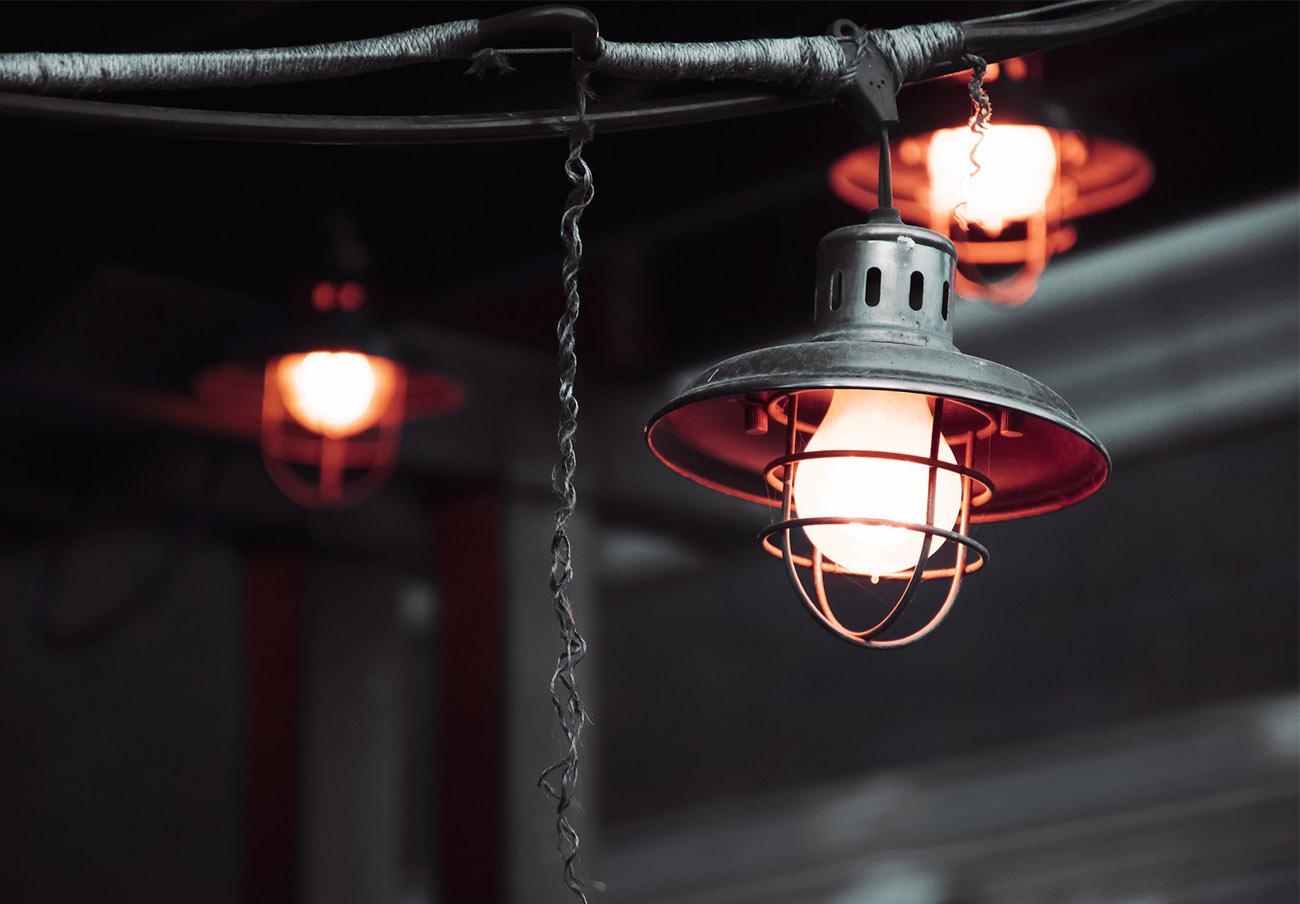 El recibo de la luz se sitúa en su precio más alto desde enero: subida mensual del 6,8% en el kWh