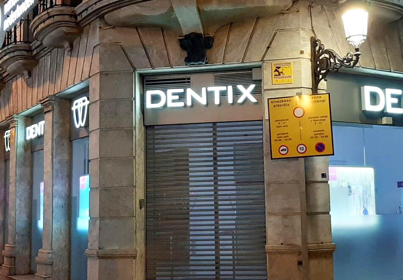 FACUA Sevilla convoca dos asambleas informativas para asesorar a los afectados por el cierre de Dentix