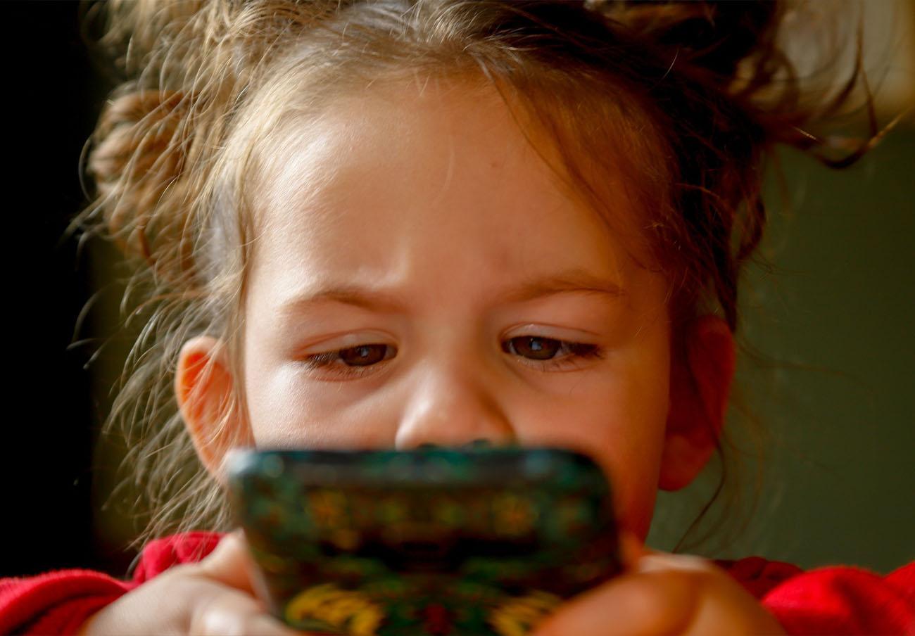 Google elimina de Play Store tres 'apps' para niños por recopilar datos violando las normas de la tienda