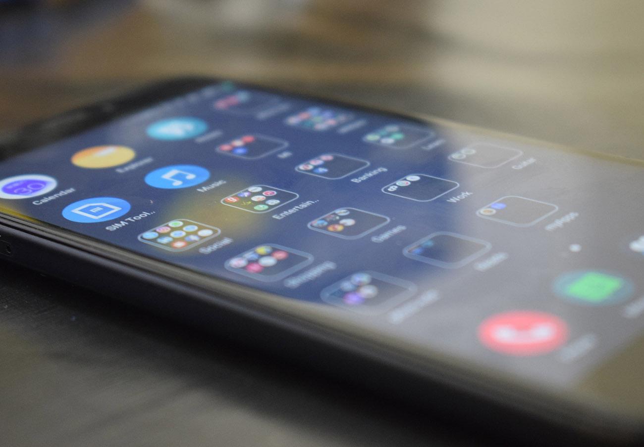 Diferencias de hasta el 56% en las tarifas de móvil con llamadas y datos ilimitados