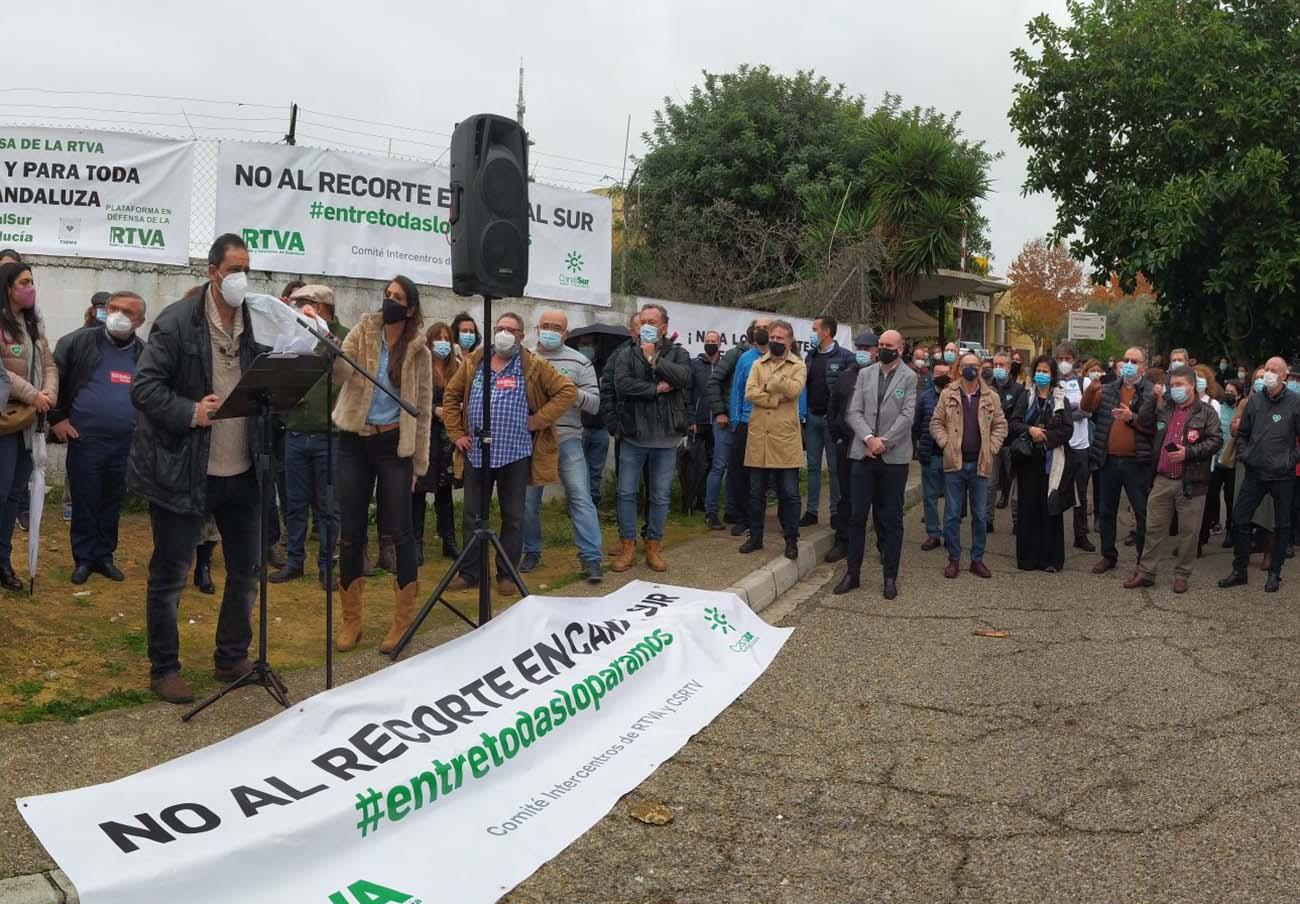 FACUA Andalucía participa en un acto en defensa de la radiotelevisión pública andaluza