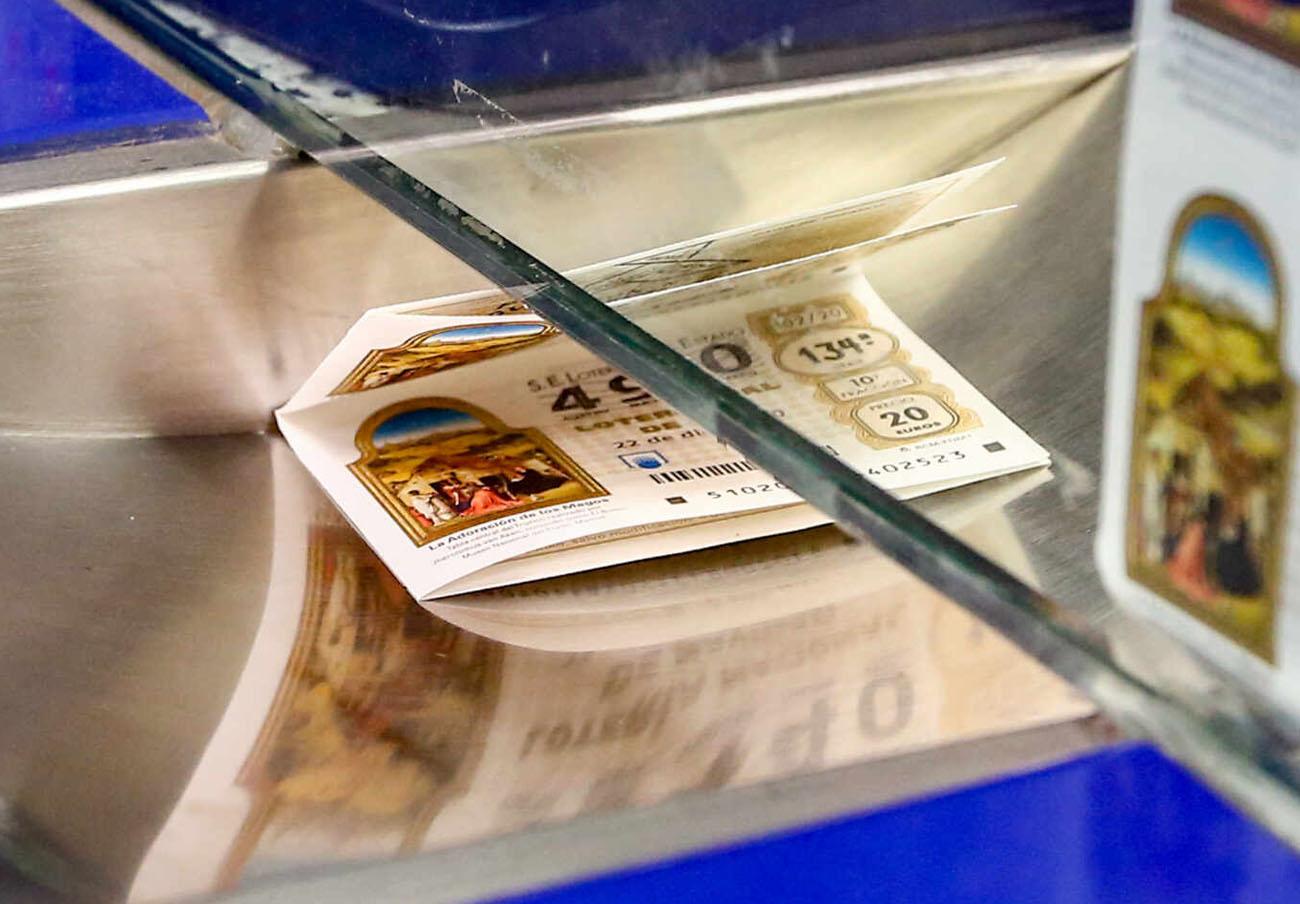 Loteria de Nadal: FACUA alerta davant els fraus que poden sofrir els usuaris amb els seus dècims