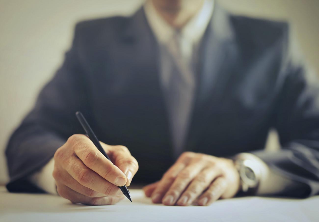 Las empresas podrán ser multadas si no devuelven el dinero cobrado mediante cláusulas abusivas