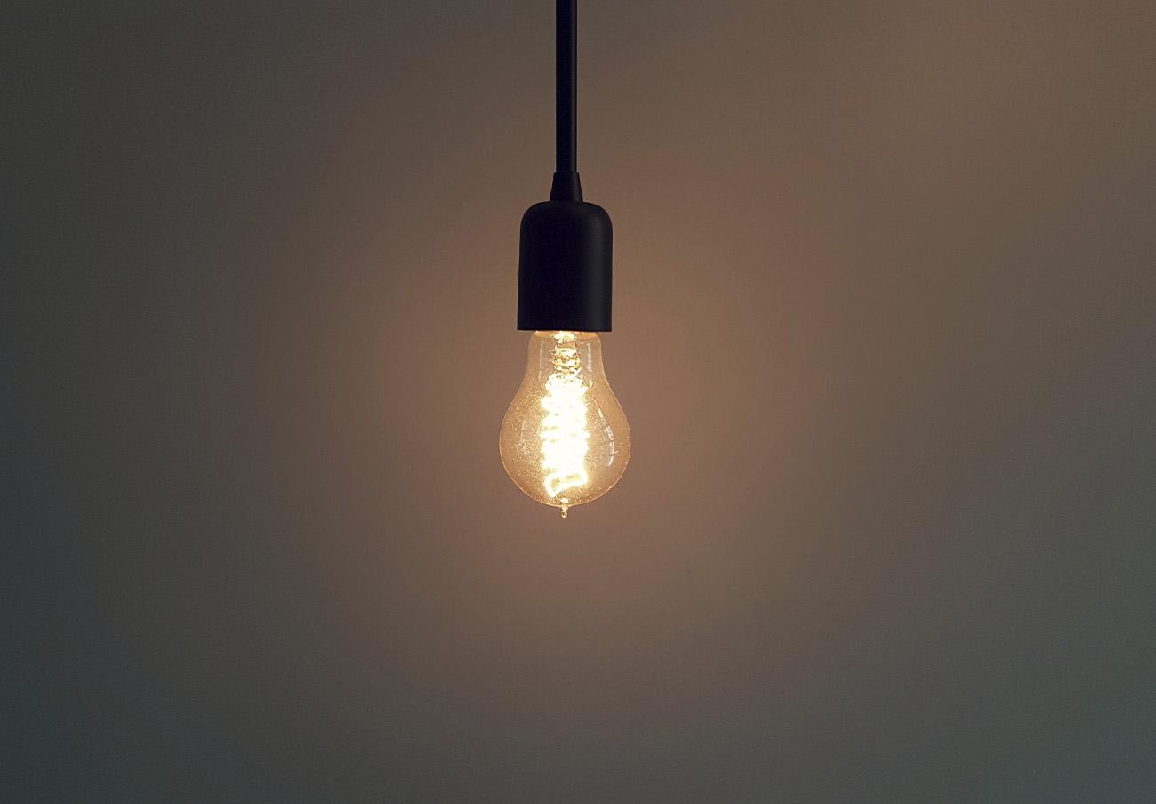 El recibo de la luz del usuario medio en lo que va de enero, 86,50 euros: un 26,7% más que hace un año