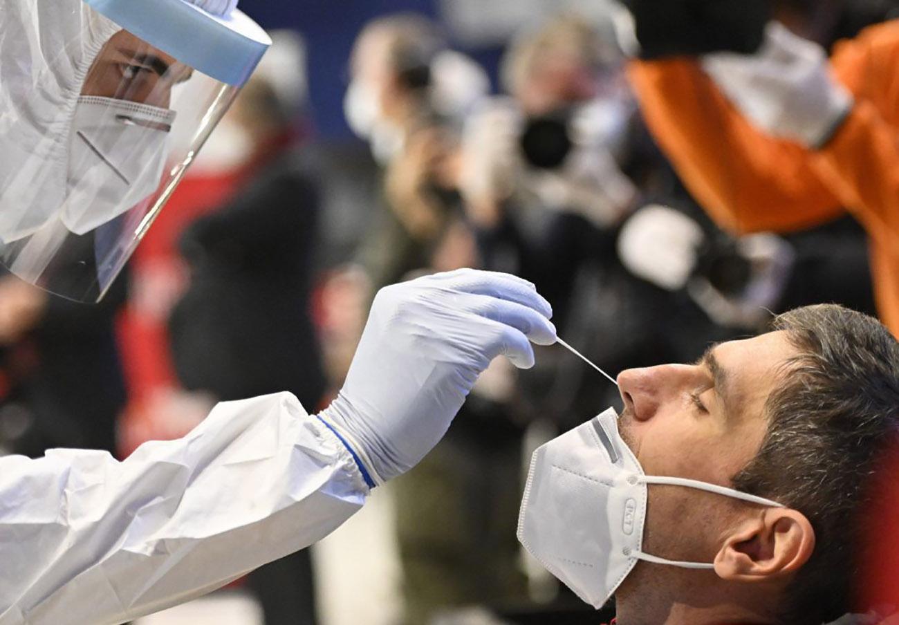Europol alerta del incremento de test PCR negativos falsificados que se venden a viajeros
