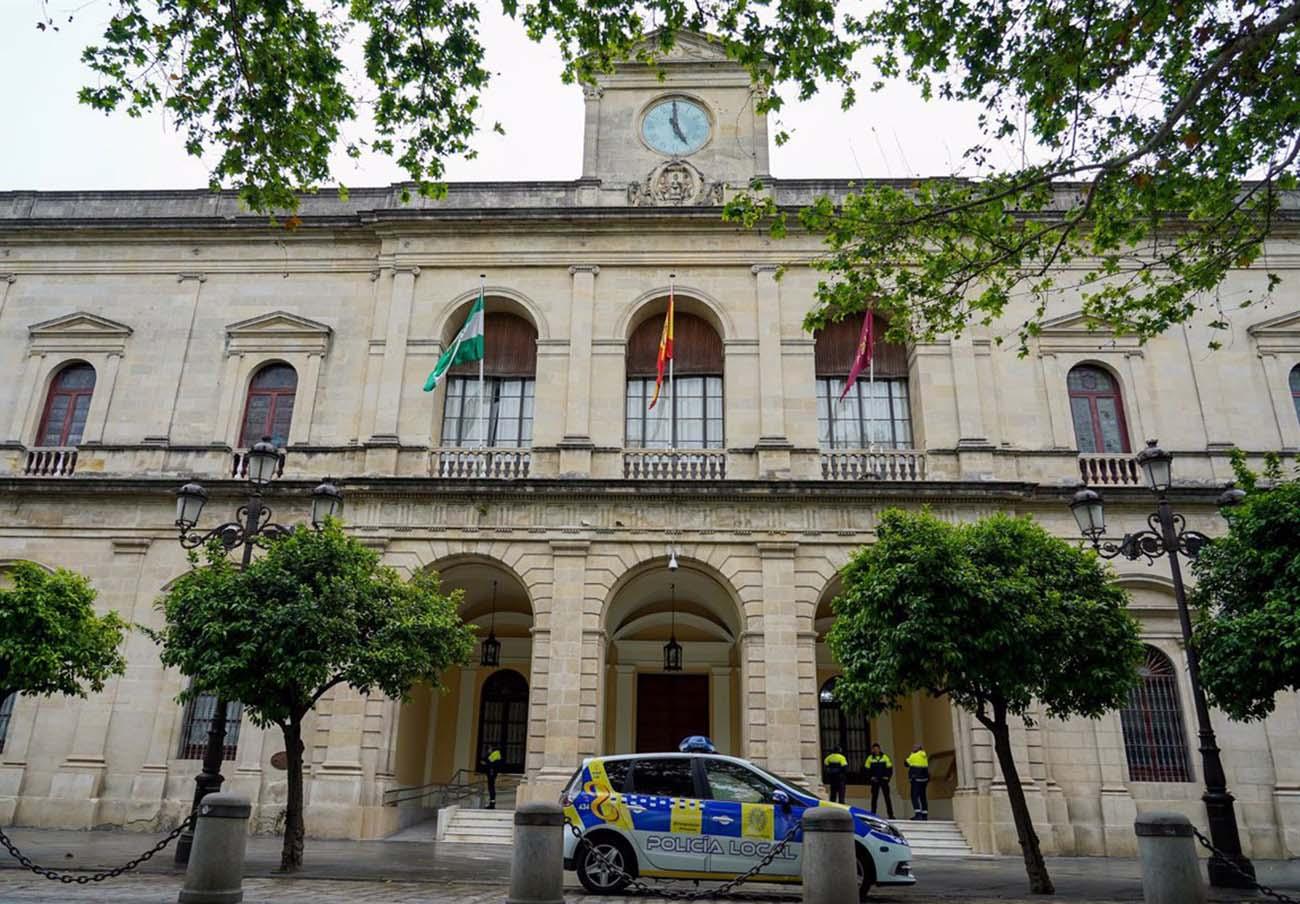 FACUA Sevilla insta a la Agencia Tributaria del Ayuntamiento hispalense a eliminar su teléfono 902
