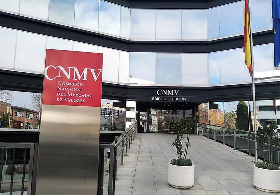 La CNMV advierte sobre 13 nuevos 'chiringuitos financieros' británicos, portugueses y belgas