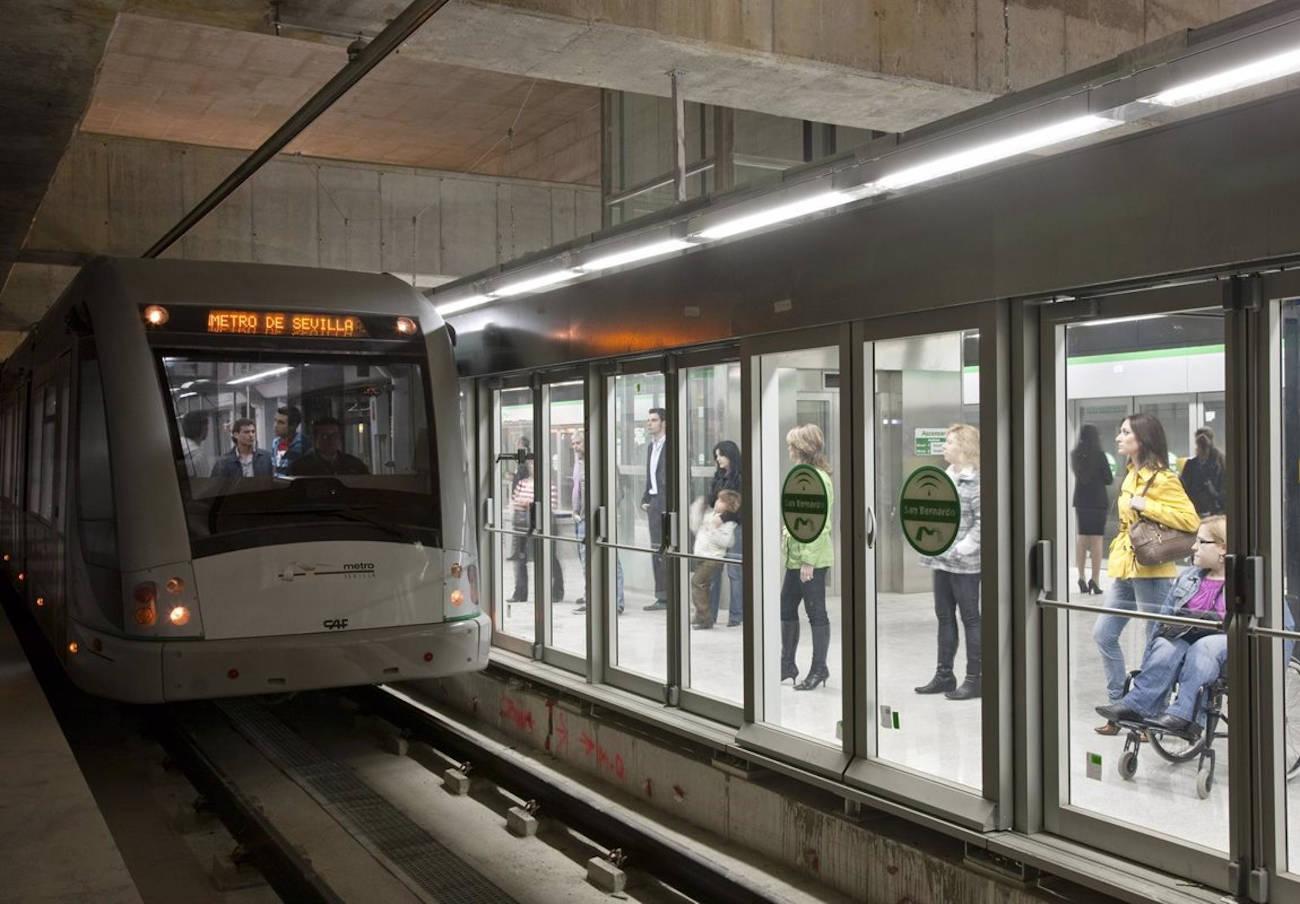 FACUA Sevilla insta a que se repare el ascensor de la estación de metro de San Juan de Aznalfarache