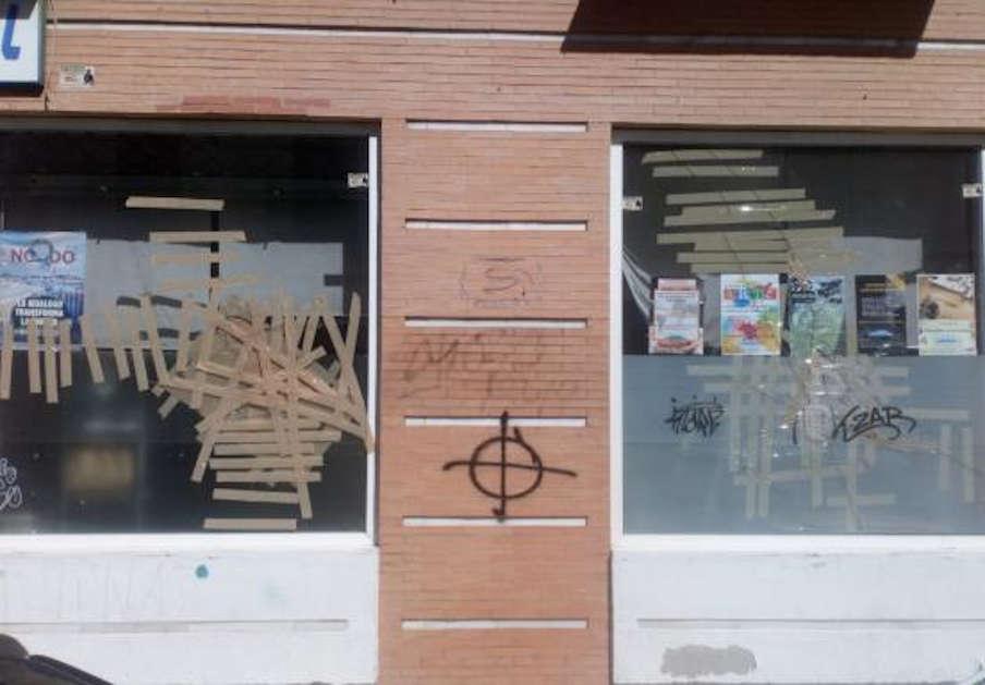 FACUA Sevilla condena el ataque fascista al Espacio Cultural LaBarqueta