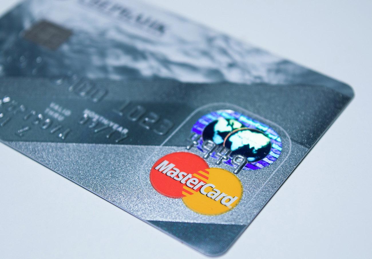 Un error puntual en las tarjetas Mastercard hace que usuarios paguen dos veces por el mismo producto