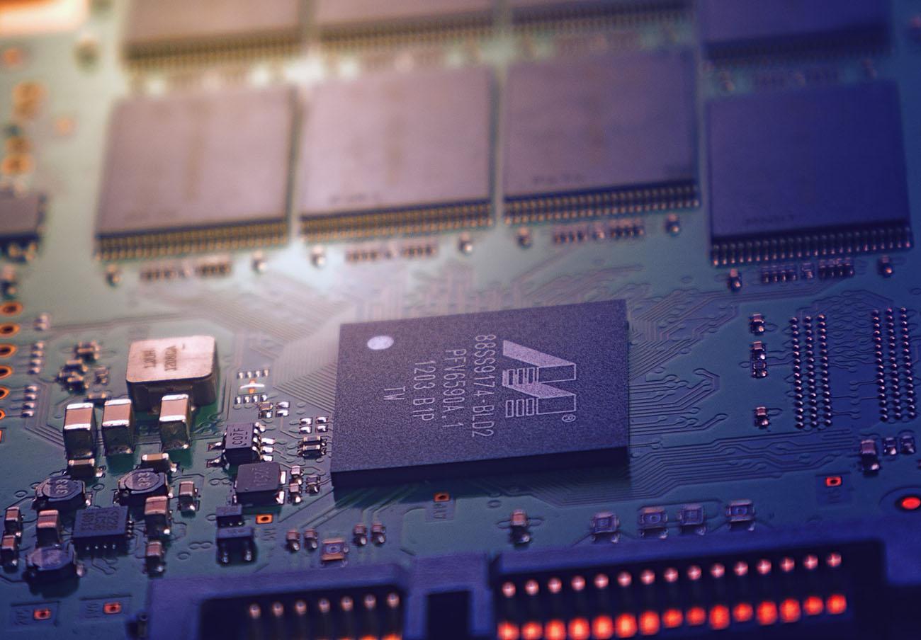 Descubren tres nuevos fallos en chips de Intel y AMD provocados por la vulnerabilidad Spectre