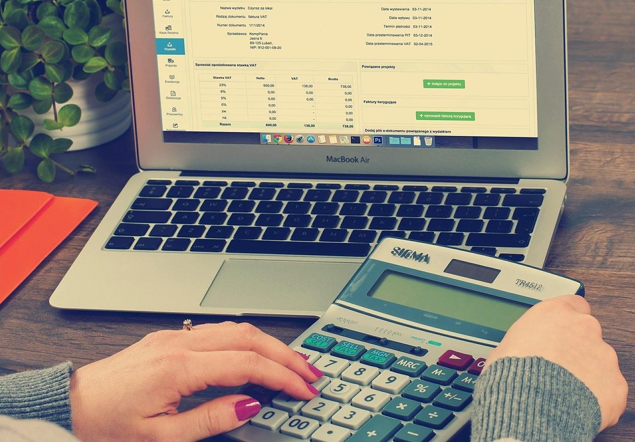 La CNMV advierte sobre una veintena de 'chiringuitos financieros' situados en el extranjero