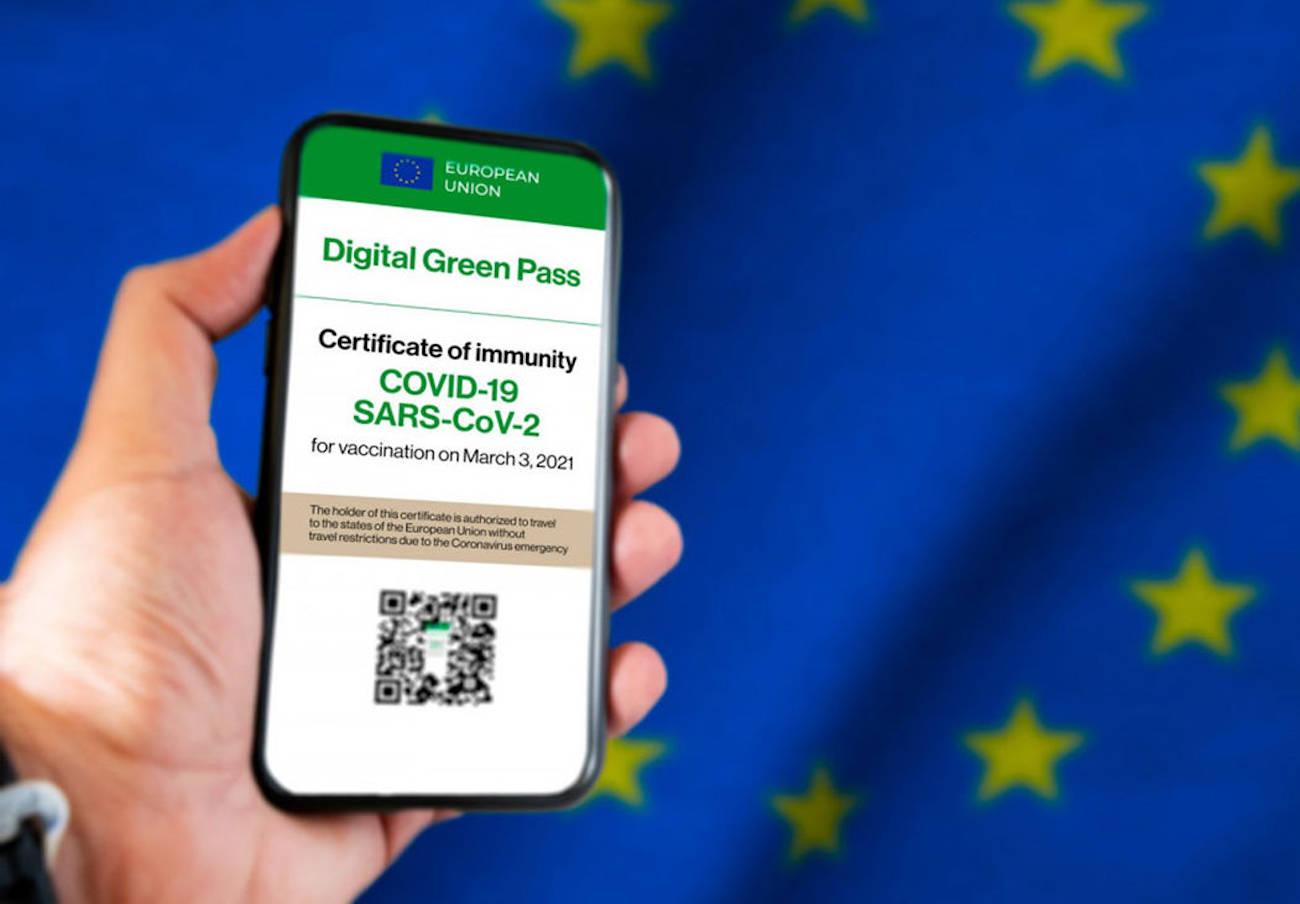 FACUA denuncia a la Comunidad de Madrid por la difusión de datos en su portal del certificado Covid