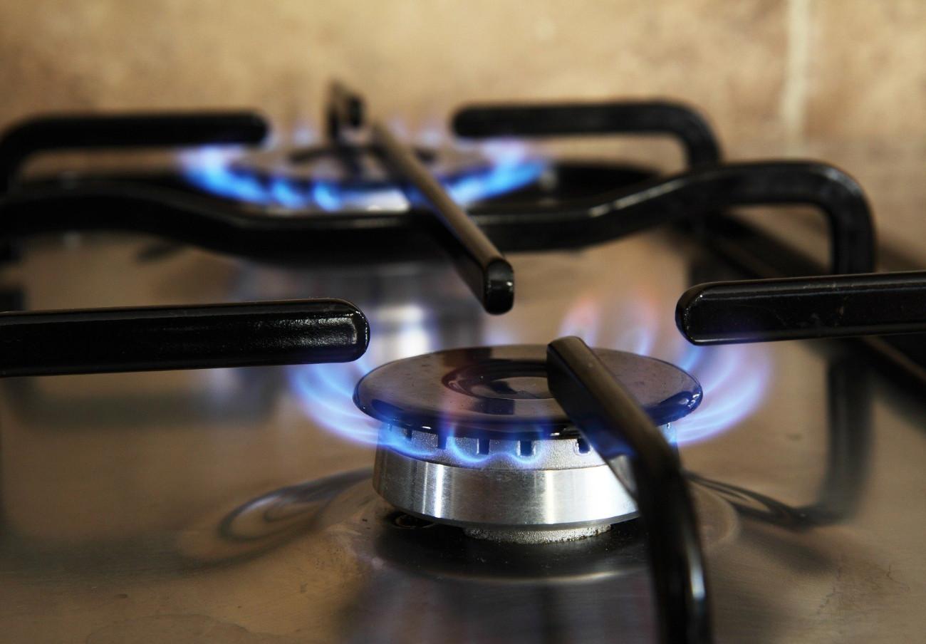 Las tarifas de gas natural en el mercado libre inflan el kWh hasta un 44% frente a la regulada TUR