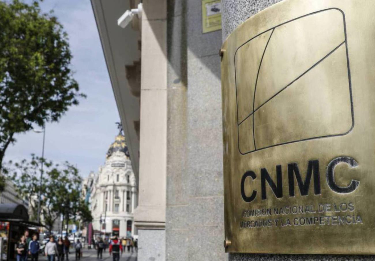 La CNMC multa con 61 millones a 12 constructoras por repartirse licitaciones de carreteras