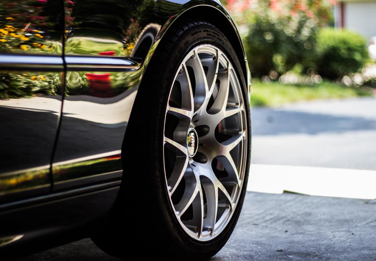 Alertan del riesgo de accidente por un defecto en neumáticos de las marcas Cooper y Mickey Thompson