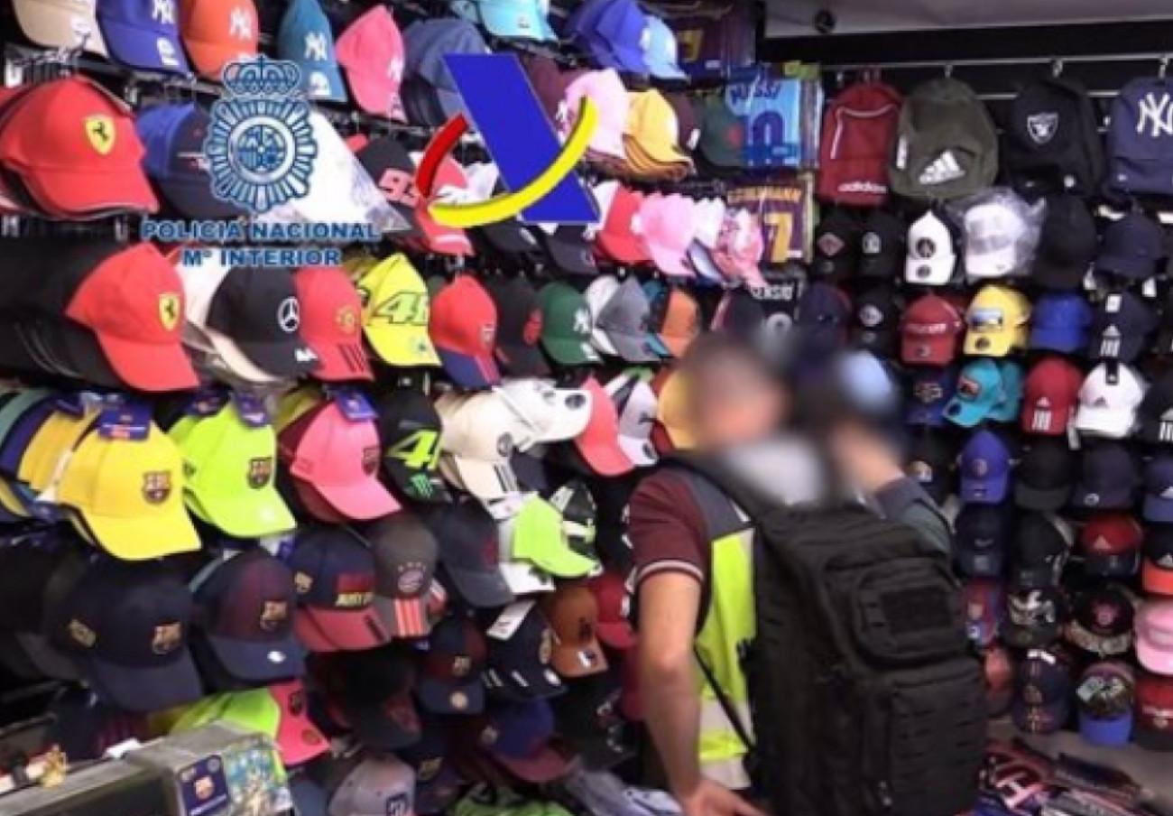 Detenidas 42 personas e intervenidos más de 30.000 objetos falsificados en Salou (Tarragona)