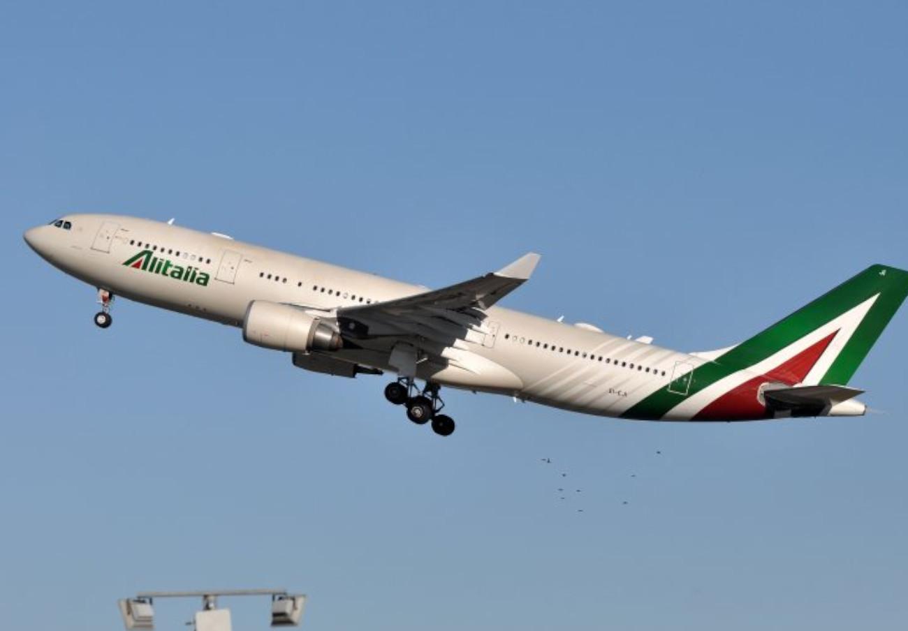 FACUA pide que se garanticen los derechos de los usuarios tras el cierre de Alitalia