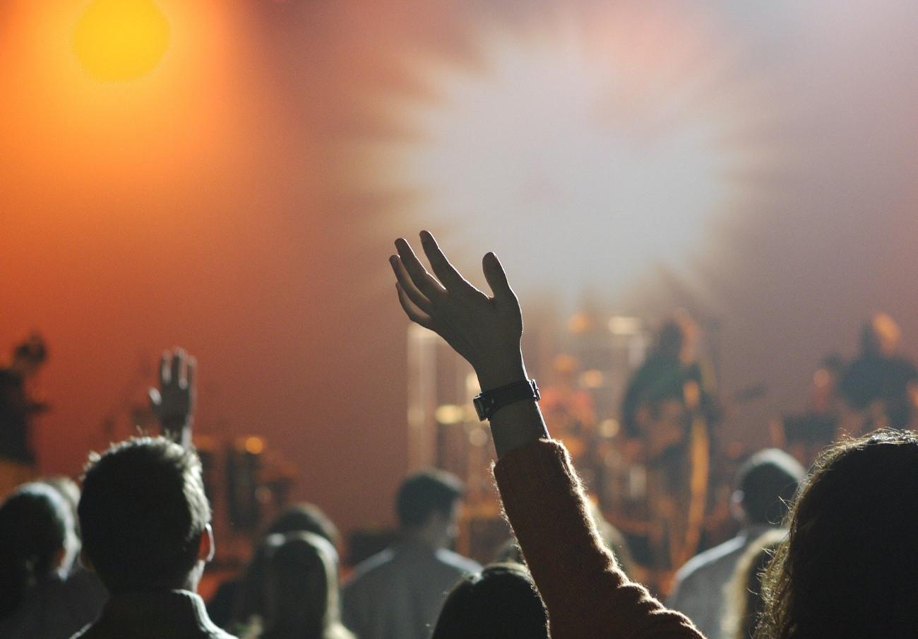 Nueva denuncia a Live Nation: no informa del reembolso de las entradas de Perturbator y The Black Crowes