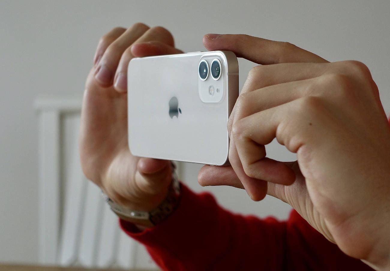 Apple informa de que reparará los iPhone 12 afectados por problemas de sonido en las llamadas