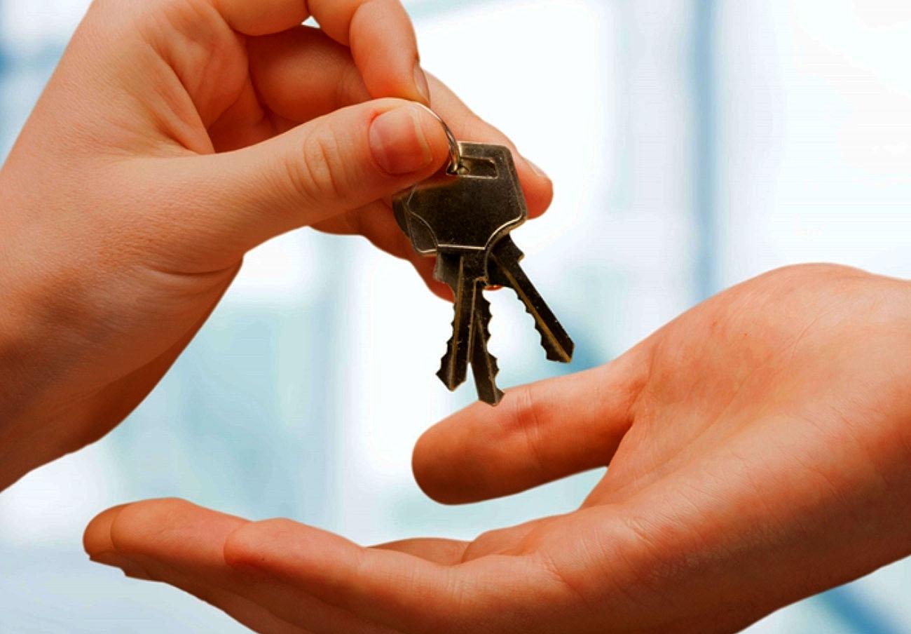 FACUA reclama a las CCAA que sancionen a las inmobiliarias que elaboran contratos de alquiler abusivos