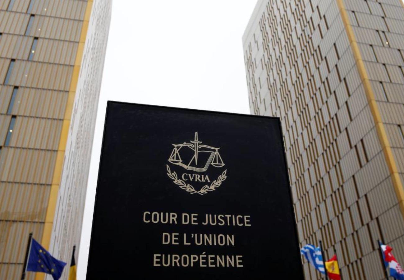"""La Justicia europea considera """"discriminatorio"""" el régimen de financiación del bono social eléctrico"""
