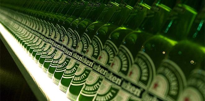 La CE multa a Heineken, Grolsch y Bavaria por pactar los precios de la cerveza en Holanda