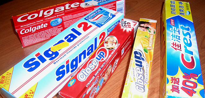 FACUA detecta la venta de importaciones ilegales de dent�fricos Signal, Close up y Crest