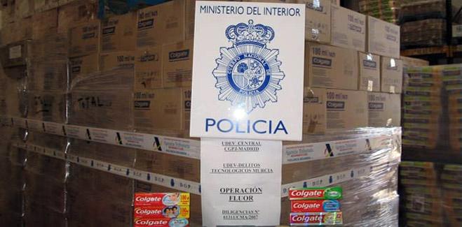 Detenidos dos empresarios que importaron ilegalmente dentífricos de multinacionales del sector