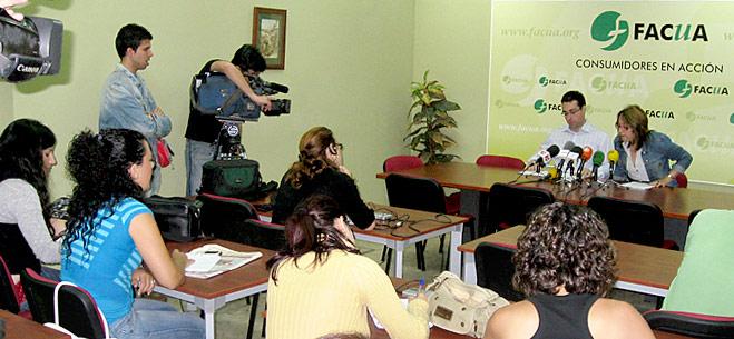 FACUA denuncia irregularidades y favoritismos partidistas en las políticas de Consumo de la Junta de Andalucía con las asociaciones de consumidores