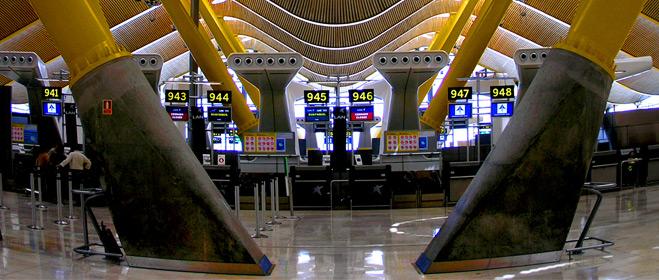 Aena dice que las tarifas aeroportuarias españolas son inferiores a la media mundial