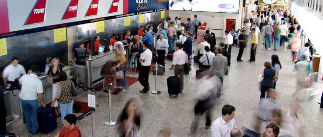 FACUA denuncia a 14 compañías por vulnerar la legislación nacional y el nuevo Reglamento europeo sobre servicios aéreos