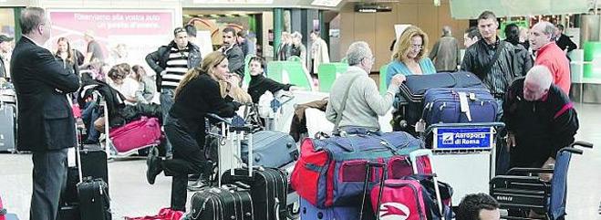 FACUA denuncia a Ryanair ante las autoridades de Aviación Civil de España e Italia por el caos originado en el aeropuerto de Ciampino