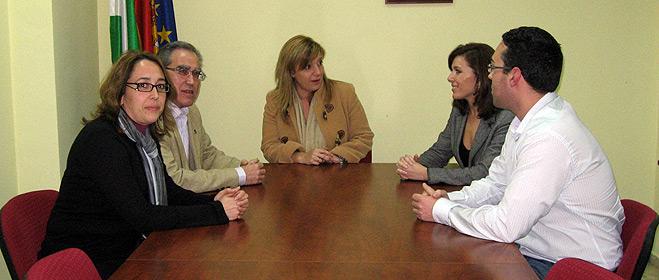 La directora general de Consumo visita la sede central de FACUA